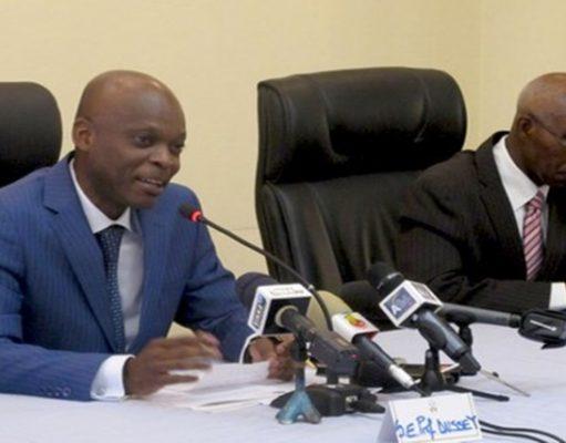 Le Ministre Robert DUSSEY en Conférence de presse sur le sommet de Lomé