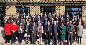 Photo de famille : Conférence de Paris sur le maintien de la paix