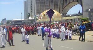 Chemin de croix des fidèles catholiques de Lomé