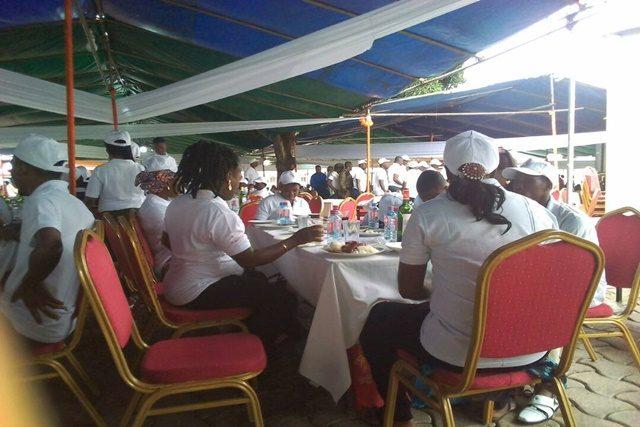 le personnel de la Compagnie Energie Electrique du Togo (CEET)