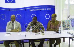 Le Directeur général de l'ANVT (au milieu)