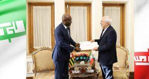 Robert Dussey et Mohammad Javad Zarif samedi à Téhéran