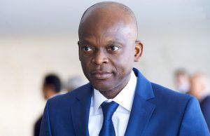 Le ministre Robert Dussey