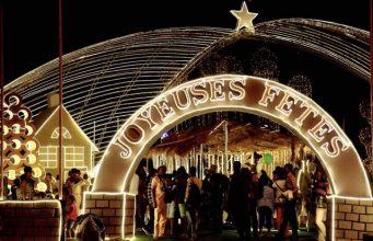 Image d'une crèche de Noël installée en plein centre ville de Lomé