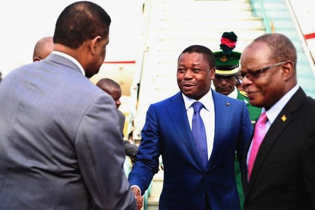 Faure Gnassingbé à son arrivée à Abuja