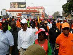 Des leaders de la coalition de l'opposition lors d'une manifestation à Lomé