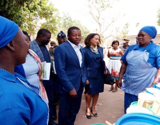 Faure Gnassingbé en compagnie de Mme Joëlle Dehasse, Représentante résidente de la Banque mondiale au Togo