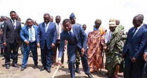 Faure Gnassingbé procédant au lancement des travaux