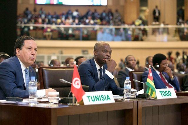 Le ministre Robert Dussey (au milieu) lors des travaux