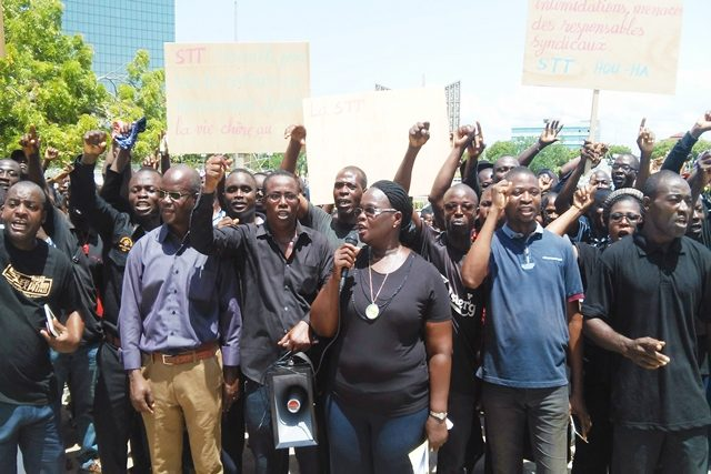 Des membres de la STT dans les rues de Lomé le 1er Mai 2018