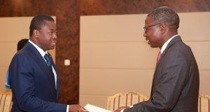Remise des lettres de créances à Faure Gnassingbé