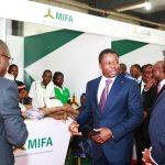 Faure Gnassingbé accompagné du Dr Akinwumi Adesina à la foire MIFA