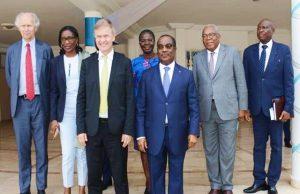 Photo de famille avec le Chef du Gouvernement