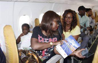 Des passagers lors d'un vol