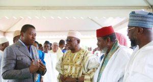 Faure Gnassingbé avec des autorités musulmanes
