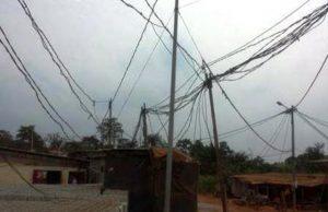Les branchements anarchiques au réseau électrique dénommé « toiles d'araignée »