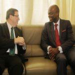 Le ministre cubain des affaires étrangères et son homologue togolais, Robert Dussey