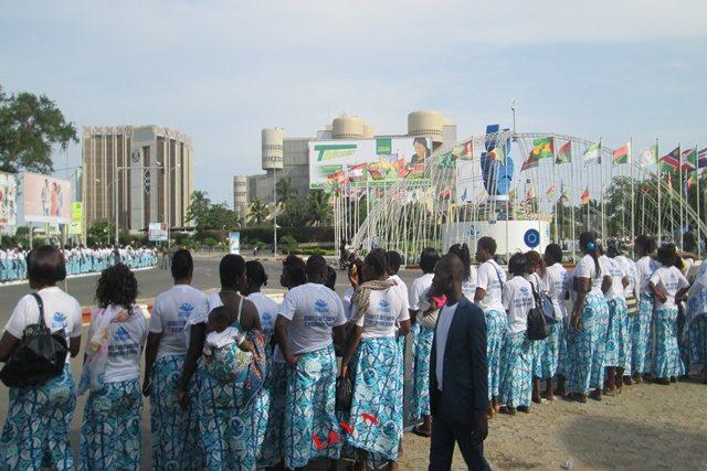 Forte ambiance dans les rues de Lomé pour accueillir les Chefs d'Etat