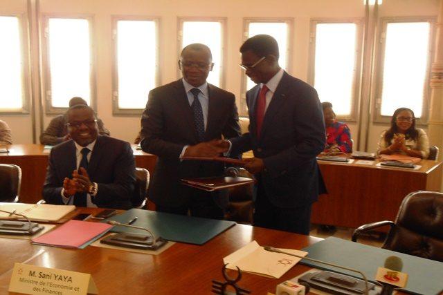 Le ministre Sani Yaya et le Président de la BOAD Christian Adovelande
