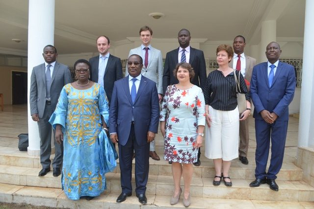 Photo de famille avec le Premier ministre Komi Sélom Klassou