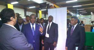 Le Premier Ministre Komi Sélom Klassou procédant à l'ouverture du salon