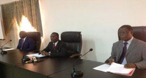 Le ministre IHOU devant les professionnels du tourisme