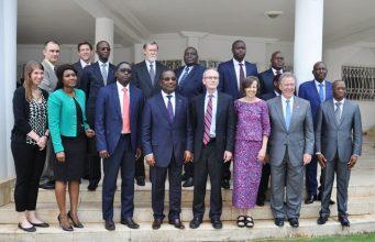 Une photo de famille avec la délégation du MCC