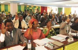 Vote de la loi portant création des communes