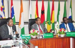 M. Maman IFO (au milieu) lors de la réunion