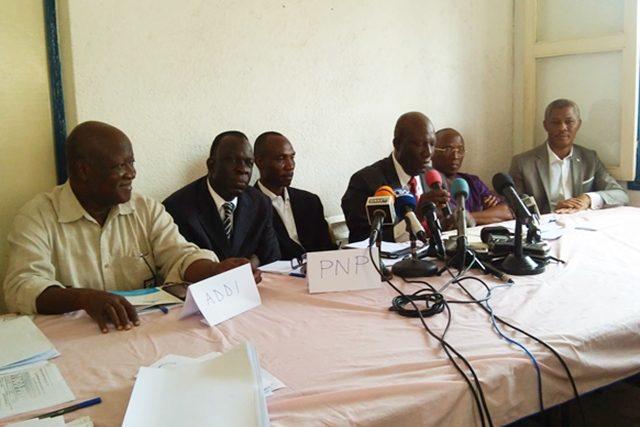 Des responsables de la coalition de l'opposition au cours d'un point de presse (archives)