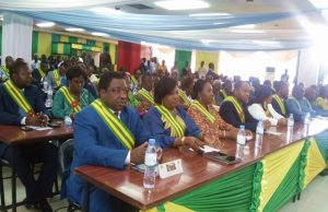 Des députés de la majorité à l'ouverture de la session