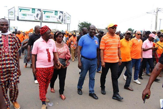 Des leaders de la coalition au cours d'une marche (archives)