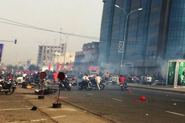 Dispersion des manifestants au carrefour Déckon à Lomé