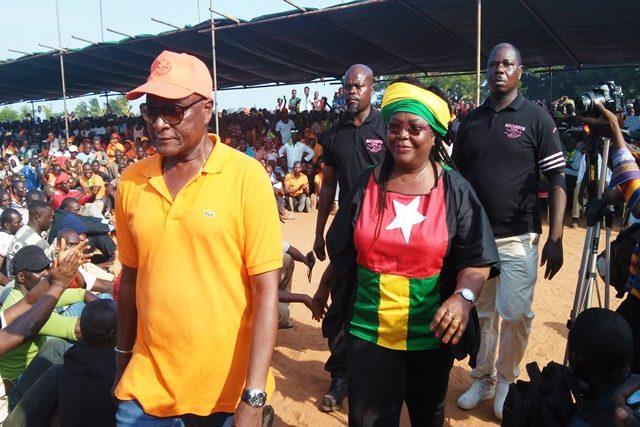 Mme Brigitte Kafui Adjamagbo-Johnson, coordinatrice de la Coalition lors d'un meeting à Lomé