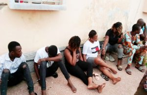 Des présumés « gay-man » arrêtés par la Police Togolaise