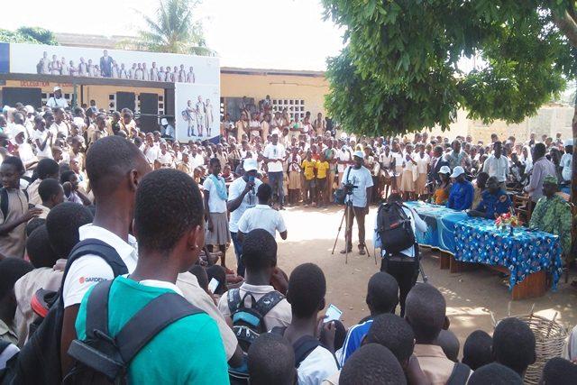 Des élèves du lycée de Togblékopé lors de la sensibilisation