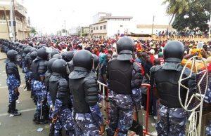 Manifestants et forces de l'ordre dans les rues de Lomé (archives)