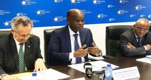 Le Ministre Robert Dussey (au milieu)