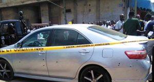 La voiture criblée de balles