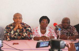 Des responsables de la C14 face à la presse (©aLomé)