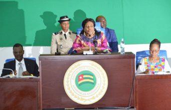 La Présidente de l'Assemblée lors de la séance plénière