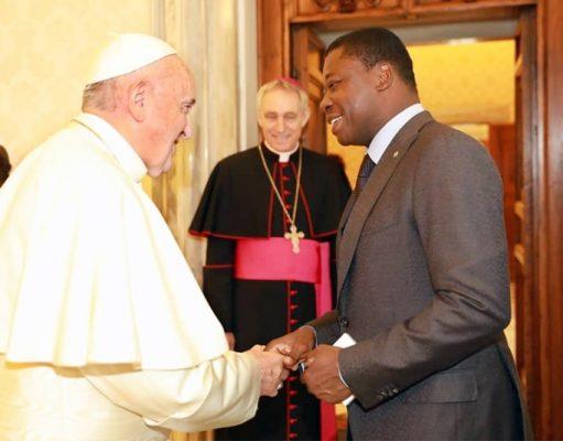 Faure Gnassingbé et le Pape François au Vatican